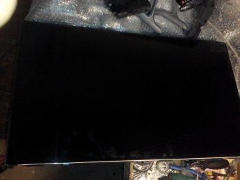 Телевизор со снятой передней рамкой