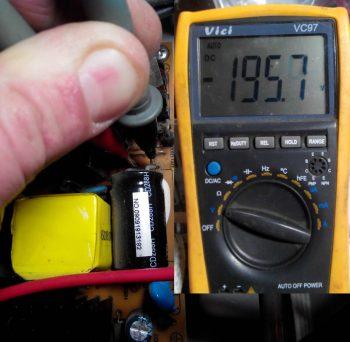 Замер напряжения на сетевом электролите